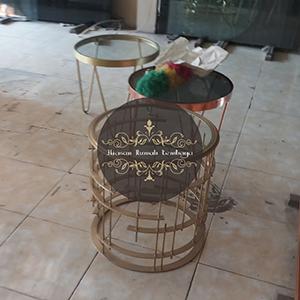 meja kuningan